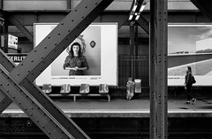 They wait (gsusce) Tags: gsusce monocromo monocromtico blanco negro blancoynegro bw byn blackandwhite monochrome viga arquitectura architecture woman metro subway black white panel publicidad publicity