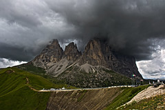 Sassolungo (eaten by clouds) (anna hoogreef) Tags: sassolungo langkofel dolomites dolomiten passosella