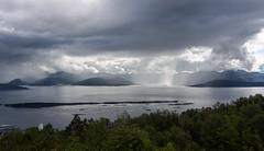 Moldefjord III (Teelicht) Tags: cruise mountain berg norway norge norwegen fjord varden vestlandet møreogromsdal kreuzfahrt moldefjord