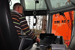 Multratug 27 and Glovis Condor (larry_antwerp) Tags: haven port ship vessel antwerp tug sleepboot schip antwerptowage haeyoungmaritime gloviscondor 9414876 multratug27 9667875 glcondorshipping