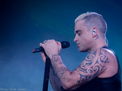 Robbie Williams - Madrid (sxdlxs) Tags: madrid portrait music concert williams gig robbie concertphotography robbiewilliams rw musicphotographer musicphotography gigphotography letmeentertainyou gigphotographer lmey barclaycardcenter lmeytour