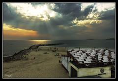 A pie de Playa (Cdiz . Spain) (Zevlag udE) Tags: espaa sun primavera sol sunrise atardecer mar spain sunsets playa nubes cadiz alucia