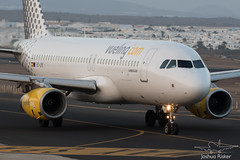 EC-LRE | Vueling A320-232 | Lanzarote/Arrecife (GCRR/ACE) (Joshua_Risker) Tags: vueling airbus a320 a320200 a320232 eclre lanzarote arrecife gcrr ace canary islands airport