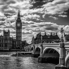 London (XXXIII) (Jose Juan Luque) Tags: london londres bigben westminster bridge westminsterbridge bw bnw blacknwhite blackandwhite byn bn blancoynegro street streetphotography urban jjluque josejuanluque thames river