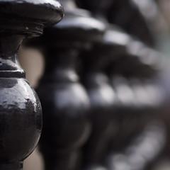 blurring (Cosimo Matteini) Tags: london pen fence olympus railing m43 mft ep5 cosimomatteini mzuiko45mmf18