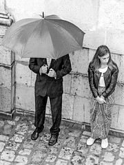 Next time don't forget the umbrella ((Imagine)) Tags: 2016 bw candid circello flickr mzuiko40150mmf28 olympusomdem1 people publicgatherings reportage streetphotography wedding