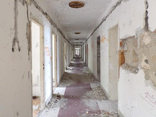 Un couloir situé à l'étage