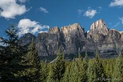 Castle Cliffs (robertopastor) Tags: amrica canada canadianrockiesmountain canad castlecliffs fuji montaasrocosas robertopastor viaje xt2 xf1655mm