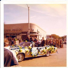 Riverside-Brookfield Homecoming Parade (riverside.illinois) Tags: riverside parade homecoming 1960s 1970s bulldogs rb rbhs rouser henningers riversidebrookfieldhighschool riversideillinois riversidebrookfield henningerpharmacy peopleofriversideillinois peopleofriverside