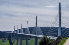 DSC_0527 (LuskaPix) Tags: ciel pont millau