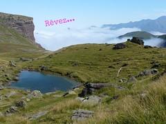 revez (Valle d'Aspe) Tags: eau rando prairie nuage paysage falaise extrieur champ colline balade