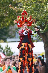 Fremont Solstice 2016  1830 (khaufle) Tags: solstice fremont wa usa parade stilts headdress