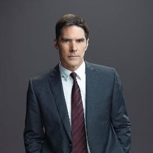 """Ator de """"Criminal Minds"""" pode perder papel na série após atacar roteirista"""