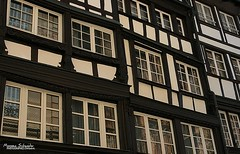 Fachwerkhuser (Setsukoh) Tags: faade mur mauer wall window fentre reflet reflection rflexion blanc white black noir colombage halftimbered house maison ancien old vieux mdival medieval moyenge middleage strasburg strasbourg strassburg alsace elsass france frankreich grandest basrhin 67 vitre glass verre histoire history art patrimoine heritage fachwerkhaus maisonpansdebois