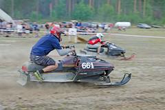 drag048 (minitmoog) Tags: dragrace grass dragracing sleds snowmobiles skoter veteran vintage lycksele