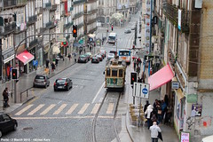 Rua dos Clerigos (ernstkers) Tags: 131 brill porto portugal stcp stcp131 streetcar tram tramvia tranvia trolley eléctrico strasenbahn bonde spårvagn