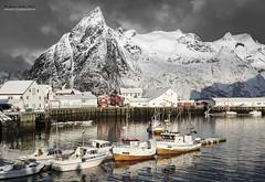 Lofoten - Hamnoy harbour 2 (jerry_lake) Tags: snow mountains boats fishing harbour lofoten d610 olstinden nikon2470mmf28 hamnoya lightroom57 21stmarch2015
