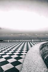 Terrazza Mascagni (bumbazzo) Tags: terrazza mascagni livorno italia italy pattern scacchi scacchiera biano nero black white bn bw landscape landscapes paesaggi paesaggio leghorn mare sea alba sunrise