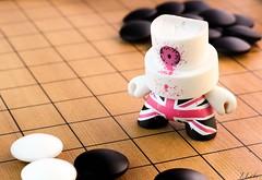 pas si simple... (ju.labs) Tags: jeudego jeux game figurine finegold pierre noiretblanc noir blanc white black joseki baduk jouet canon canon700d canon1855 1855 macro map focus focal bokeh