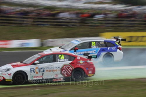 Ashley Sutton in BTCC race 2 during the Knockhill Weekend 2016