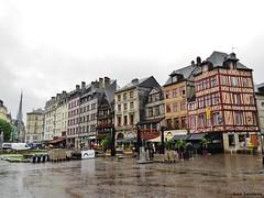 Rouen - Place du Vieux Marché (JeanLemieux91) Tags: rouen hautenormandie normandie france juin junio june 2016 printemps primavera spring pluie lluvia rain anglonormand tudor