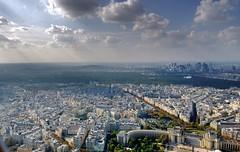 Light over Paris (Ross Major) Tags: paris cityscape sun eiffel tower nokia 1020 pureview lumia france mobilephone cellphone