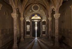 Lumières divines... (ElfeMarie) Tags: lumière chapelle abandonnée oubliée lost decay urbex chapel light exploration architecture arches