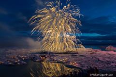 Jökulsárlón (VidarSig) Tags: jökulsárlón vatnajökull breiðamerkurjökull breiðamerkursandur flugeldasýning bjögunarfélaghornafjarðar fireworks vatnajökulsþjóðgarður 13ágúst2016 austurskaftafellssýsla iceland ísland vatnajokullglacier jökulsárlónglacierlagoon ferðaþjónustanjökulsárlóni fireworksattheglacierlagoon flugeldasýningjökulsárlón2016 fireworksshowatjokulsarlon