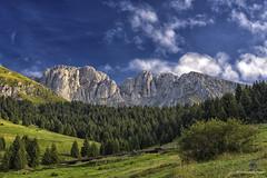 presolana (mirkopizzaballa) Tags: presolana montagna niko nikond7200 colori cielo orobie sigma photo monti sole nubi bianco rocia parete