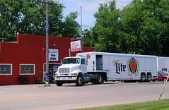 Red's Liquors, Warren Illinois (Cragin Spring) Tags: reds liquor liquorstore liquors redliquors tobacco store sign beer beertruck truck deliverytruck millerbeer warren warrenil warrenillinois midwest northernillinois smalltown unitedstates usa unitedstatesofamerica
