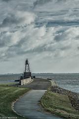 Molenfeuer (jade-schiffsbilder.de) Tags: wilhelmshaven mole norddeutschland molenfeuer niedersachsen jadebusen nordsee nordseekste wolken clouds lighthouse