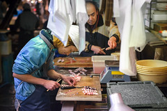 Tokyo -3712 (Jacobo Zanella) Tags: street city travel viaje winter urban fish japan canon photography tokyo photo asia foto market candid culture tsukiji seafood  5d  fotografia fishmarket japon canonef2470mmf28lusm atmospheric wholesale tokio 2015   jacobozanella canoneos5dmarkii