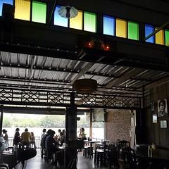 ร้านกาแฟโบราณ แต่คนจิบโราณกว่า #vscocam #vscothailand #adayinthailand #lumixG6 #lumixlounge #mylumixg6