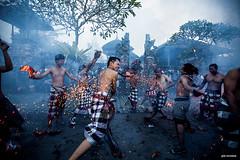 Tradisi Perang Api (Gde Muriarka) Tags: bali canon fire war culture 5d api ubud gde budaya nyepi sebelum nagi perang pengerupukan perangapi firewar