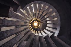 Vers la lumire (Delpro-Photographie) Tags: stairs decay deserted escalier abandonned manoir urbex abandonn artdco dsert oldandbeautiful canon6d delpro canon1635f28isii