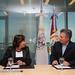 Mauricio Macri firma convenio con Intendenta de Funes