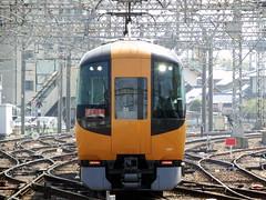 Yamato-Saidaiji Station   (: : Ys [waiz] : :) Tags: station japan train railway  fujifilm s1 nara railfan kintetsu    finepixs1