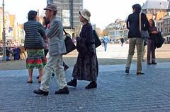 Japanners (Gerard Stolk (vers l'Allemagne)) Tags: delft markt rokjesdag opzoeknaarrokjesdag