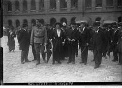 1915-07-12. Aux Invalides, [12 juillet 1915] Osnobichine et M. Isvolsky [ambassadeur de Russie en France] le jour des ambulances russes [donnes  la France] (foot-passenger) Tags: bibliothquenationaledefrance bnf gallica oldphoto 1915 ambulance france wwi worldwari