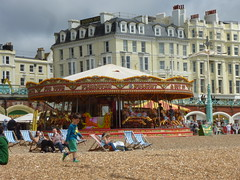 Strandleben in Brighton (Swassermatrose) Tags: uk england brighton roundabout carousel merrygoround eastsussex karussell carrousel 2016 seebad kinderkarussell