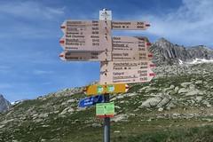 Fieschertal VS - Mrjela 2373 m (Kecko) Tags: geotagged schweiz switzerland europe suisse swiss kecko signpost vs svizzera wallis valais wegweiser 2016 fieschertal goms mrjelen swissphoto mrjelensee mrjela geo:lon=8101000 geo:lat=46440880