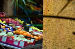 Frjus de fruits (Jean-Luc Lopoldi) Tags: street shop wall fruit display bokeh rue mur tal primeurs