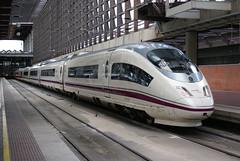 2013-05-29, RENFE, Madrid Puerta de Atocha (Fototak) Tags: madrid train 22 spain siemens eisenbahn railway ave treno renfe s103 103622 velaro