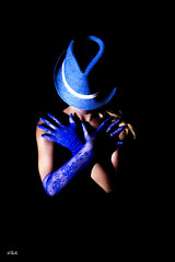 Blue Soul (chyky9) Tags: nikon nikond3200 nikonistas portrait retrato blue azul me people person hat globes darkness dark girl lights model selfie black moments pose hands blondes alone loneliness