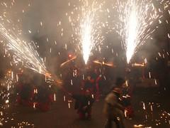 Fireworks , Diables (40) (calafellvalo) Tags: noche fireworks calafell fuegosartificiales nit plvora traca diables masclet calafellvalo castelldefoc diablesdecalafell guaitels festamajordecalafell diablesfireworksfuegosartificialescalafellcalafellvalo