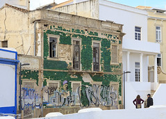 Abandoned house (Hans van der Boom) Tags: europe portugal algarve vacation holiday albufeira abandoned house building green graffiti dilapidated ruined pt