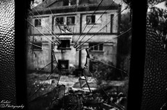 DSC_3504 (Kubiii Photography) Tags: gelb photography nikond7000 nikon nikonphotography leipzig kubiiiphotography lostplaces lost places blackwhite urbex urbexworld abandoned abandonedplaces picture scary grey