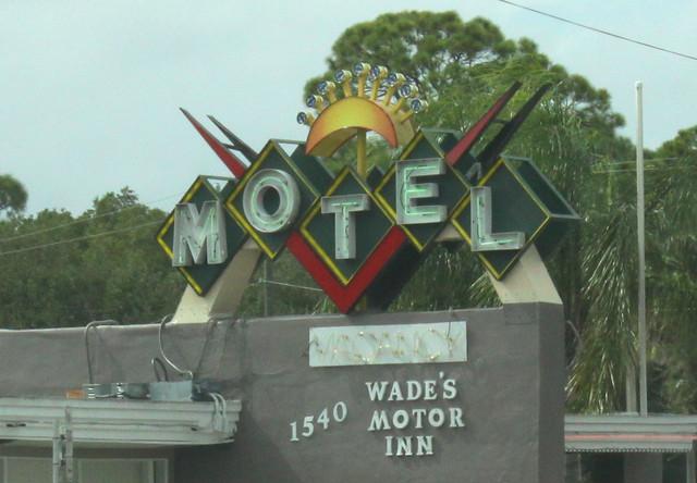 Wade's Motor Inn - Titusville, FL