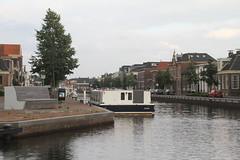 Vaart in Assen en de rondvaartboot (willemsknol) Tags: vaart assen willemsknol