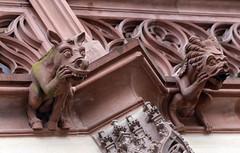 Strasbourg-2016-02-13-052 (Sambaphi) Tags: strasbourg france alsace cathdrale cathedral notredame sculpture statue gargouille